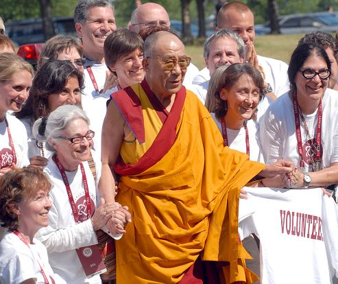 His Holiness with the Volunteers